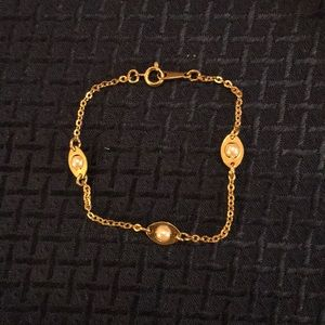 Avon Goldtone Oval and Pearl Bracelet